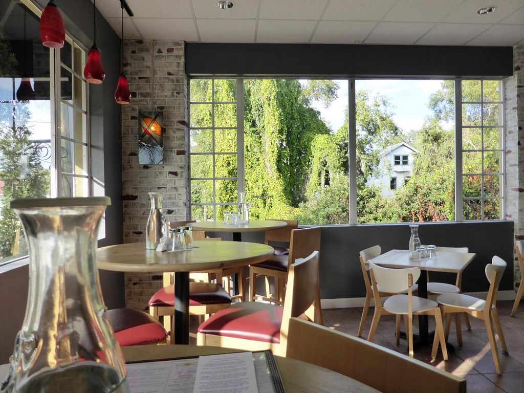 """Photo of CLOSED: Vitality Bistro  by <a href=""""/members/profile/hughman"""">hughman</a> <br/>Vitality Bistro <br/> December 26, 2014  - <a href='/contact/abuse/image/33169/88775'>Report</a>"""
