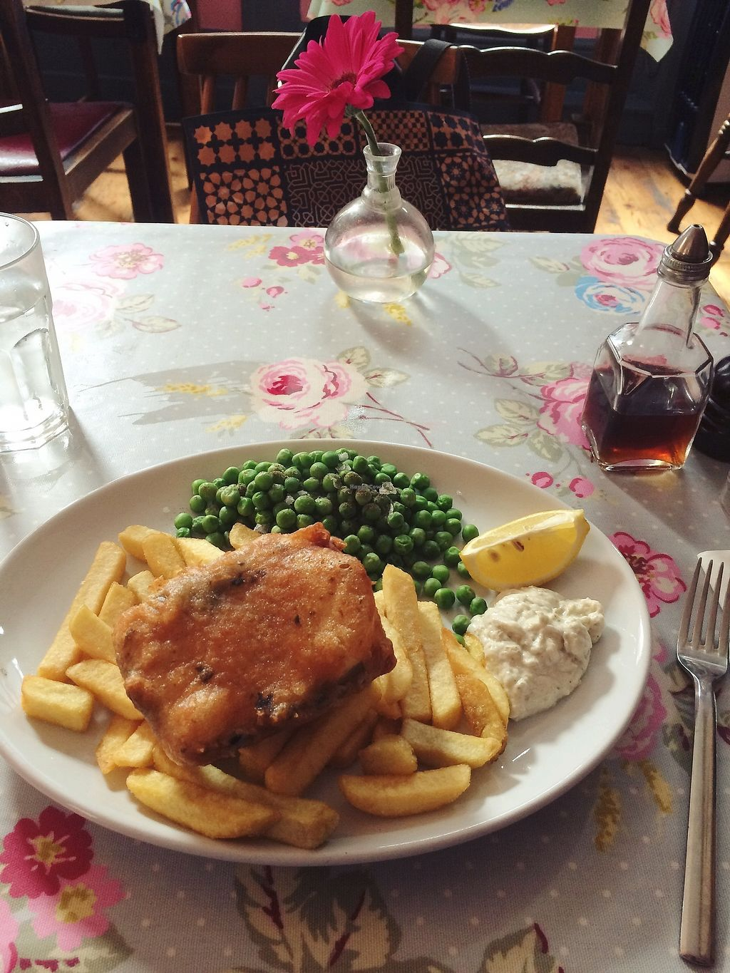 """Photo of Norman's Coach and Horses  by <a href=""""/members/profile/treemelody"""">treemelody</a> <br/>F*sh & Chips, September 2017 <br/> September 20, 2017  - <a href='/contact/abuse/image/33232/306418'>Report</a>"""