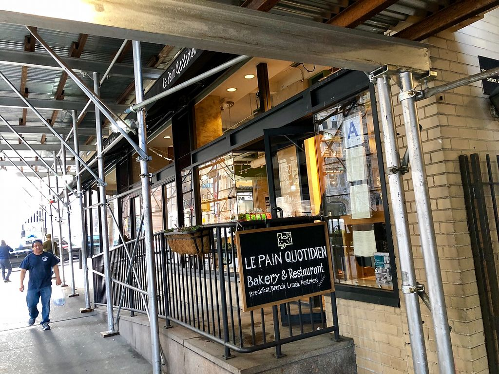"""Photo of Le Pain Quotidien - 7th Ave  by <a href=""""/members/profile/marky_mark"""">marky_mark</a> <br/>outside <br/> December 19, 2017  - <a href='/contact/abuse/image/33266/337311'>Report</a>"""