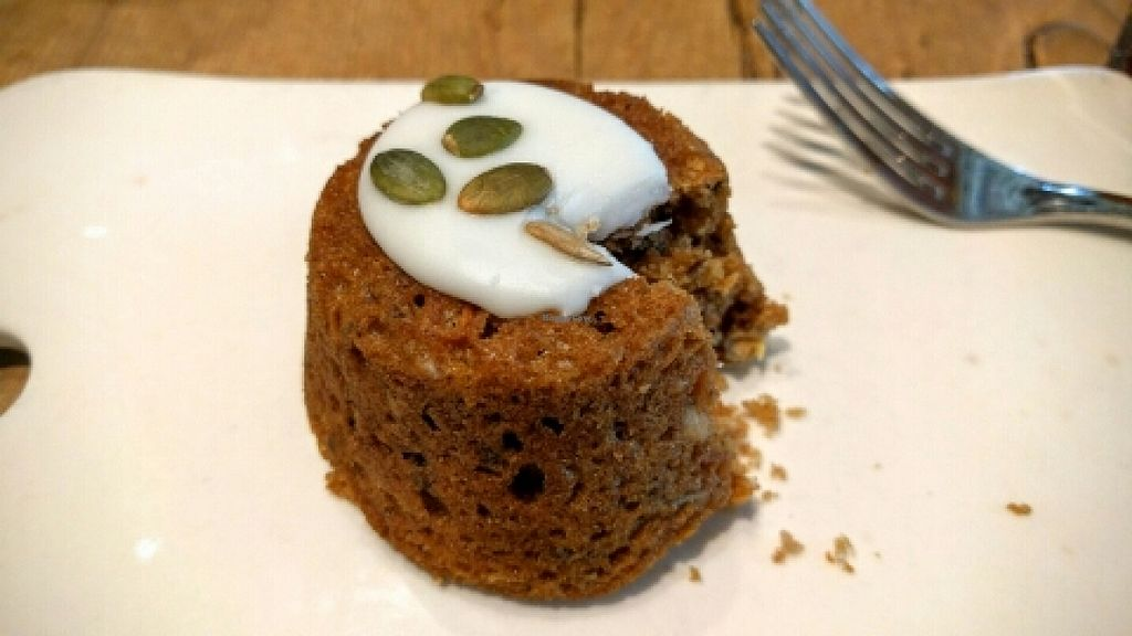 """Photo of Le Pain Quotidien  by <a href=""""/members/profile/Bgilly"""">Bgilly</a> <br/>Vegan carrot cake!! <br/> April 18, 2016  - <a href='/contact/abuse/image/33311/145121'>Report</a>"""