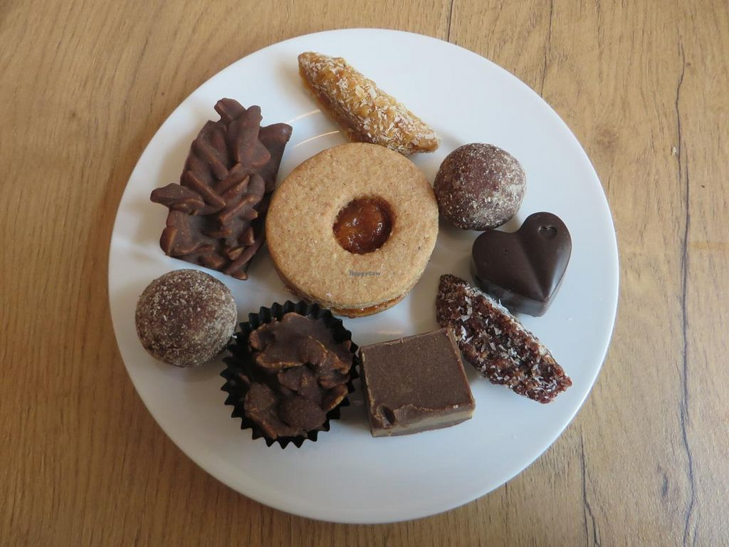 """Photo of Vollwert-S  by <a href=""""/members/profile/VegiAnna"""">VegiAnna</a> <br/>And now for dessert ... The chocolates in this picture are all vegan. Those chocolates containing honey are clearly labelled ('Honig') <br/> October 9, 2014  - <a href='/contact/abuse/image/33448/82427'>Report</a>"""