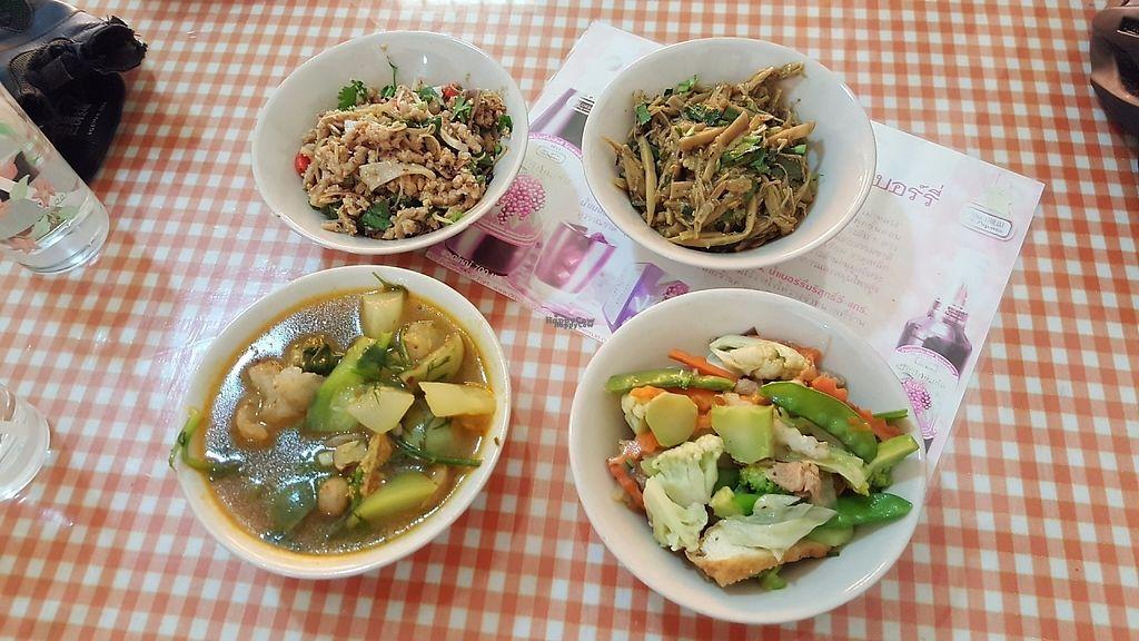 "Photo of Krua Sukkrapap Guan Yin  by <a href=""/members/profile/KimmyLuangsaengtham"">KimmyLuangsaengtham</a> <br/>foods <br/> January 5, 2017  - <a href='/contact/abuse/image/33587/208263'>Report</a>"