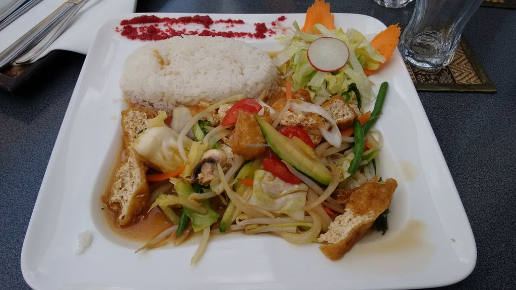 """Photo of Mei Thai  by <a href=""""/members/profile/AnnK7"""">AnnK7</a> <br/>'Verschiedene Gemüse gebraten, mit Tofu' / various fried veggies with tofu  <br/> May 21, 2016  - <a href='/contact/abuse/image/33890/150101'>Report</a>"""