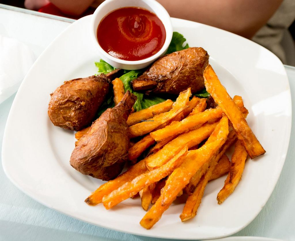 """Photo of Boba House  by <a href=""""/members/profile/fiberdrunk"""">fiberdrunk</a> <br/>Boba House Vegan Chicken & Sweet Potato Fries <br/> May 28, 2015  - <a href='/contact/abuse/image/3396/103728'>Report</a>"""