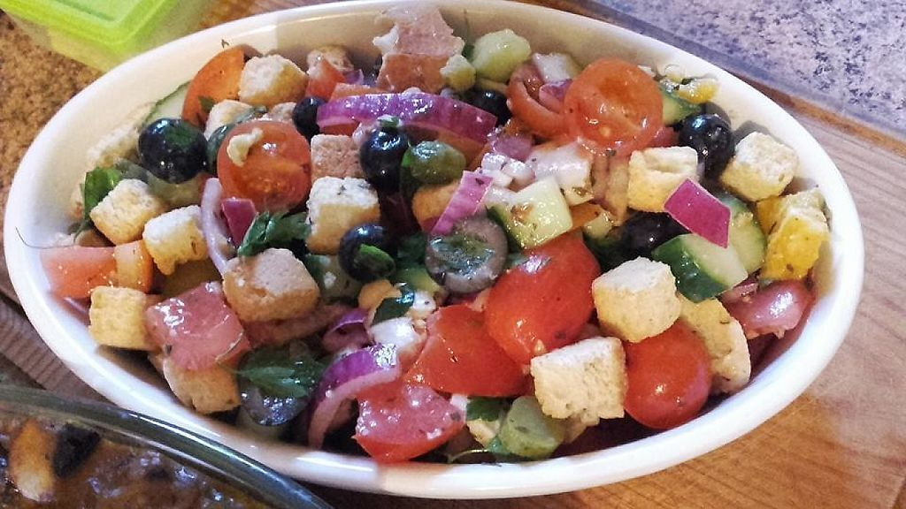 """Photo of Kaz Troviscais Odemira  by <a href=""""/members/profile/kaz%20troviscais"""">kaz troviscais</a> <br/>fattoush Moroccan salad <br/> April 11, 2017  - <a href='/contact/abuse/image/34043/247131'>Report</a>"""