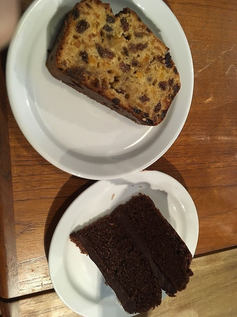 "Photo of Organic Deli Cafe  by <a href=""/members/profile/SuzyJones"">SuzyJones</a> <br/>Fruit cake, chocolate cake <br/> August 29, 2017  - <a href='/contact/abuse/image/34102/298590'>Report</a>"