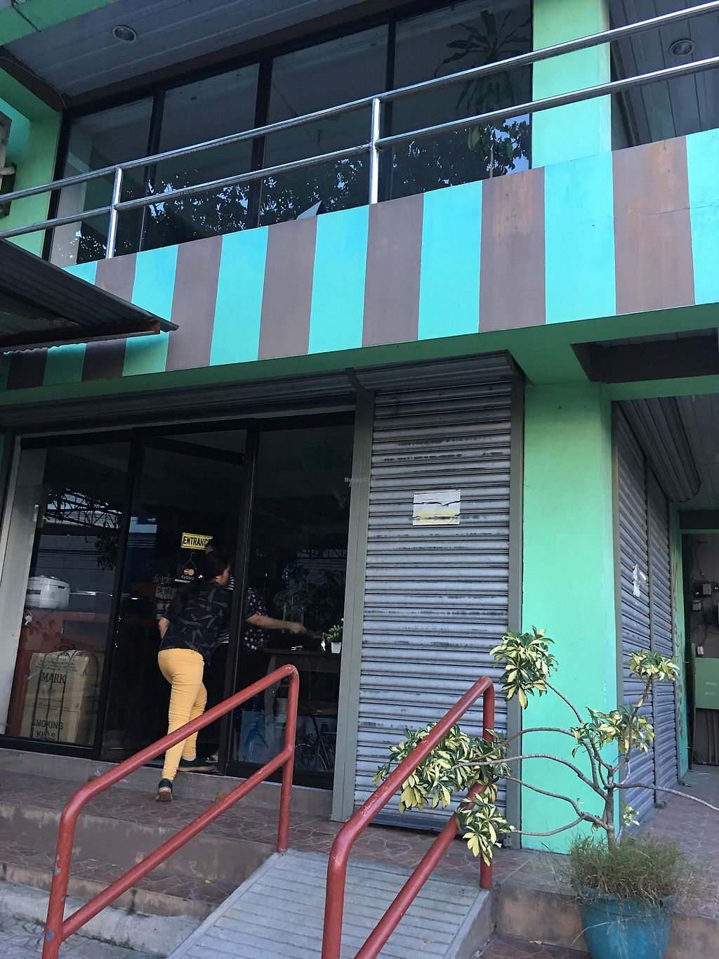 """Photo of Vegan Hygienic Foodhaus  by <a href=""""/members/profile/Durianrider"""">Durianrider</a> <br/>Front door  <br/> October 6, 2017  - <a href='/contact/abuse/image/34114/312221'>Report</a>"""