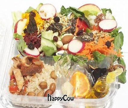"""Photo of Salada Saudavel  by <a href=""""/members/profile/Salada%20Saudavel"""">Salada Saudavel</a> <br/>Embalagem 3 divisões, a maior com 22 componentes vivos, outra um cereal e uma leguminosa cozidos com uma preparacão especial e outra com temperos.  <br/> September 10, 2012  - <a href='/contact/abuse/image/34124/289856'>Report</a>"""