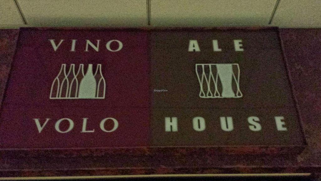 Photo of Vino Volo Ale House  by Navegante <br/>Nov 2014 <br/> November 28, 2014  - <a href='/contact/abuse/image/34157/86697'>Report</a>