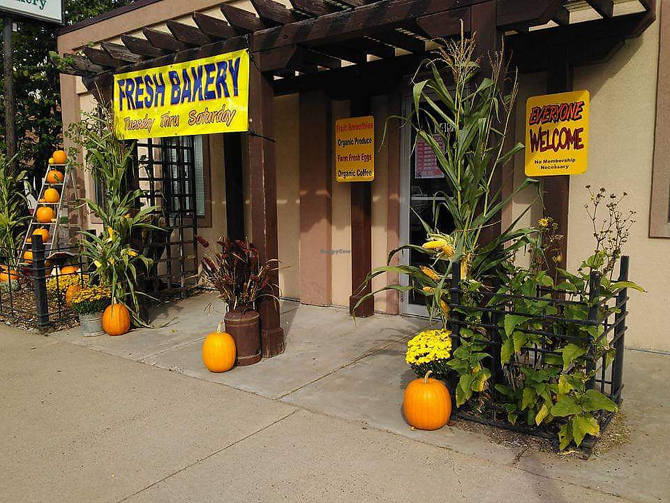 """Photo of Island City Food Co-op and Bakery  by <a href=""""/members/profile/dgriffith"""">dgriffith</a> <br/>ICFC getting in the fall spirit! <br/> October 14, 2017  - <a href='/contact/abuse/image/34187/315022'>Report</a>"""
