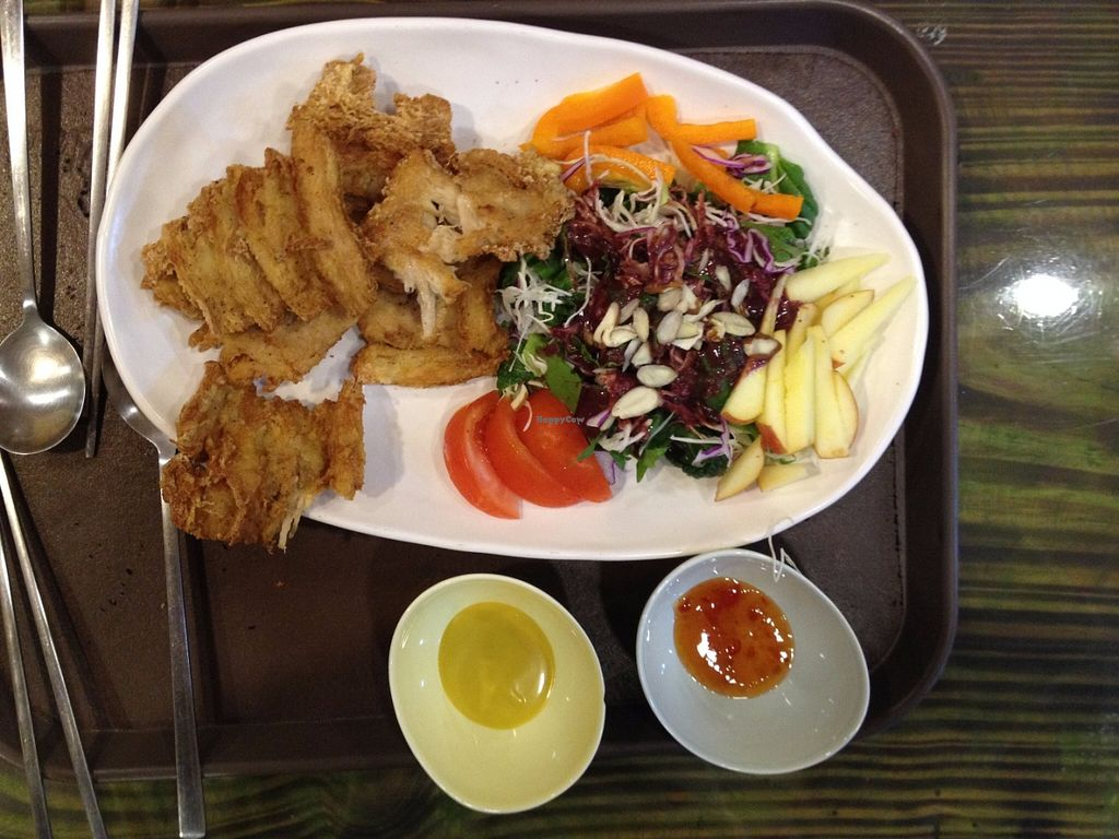 "Photo of CLOSED: Loving Hut - Jeju  by <a href=""/members/profile/Emomeow"">Emomeow</a> <br/>Salad and fried ""chicken"" tenders <br/> June 11, 2016  - <a href='/contact/abuse/image/34221/153458'>Report</a>"