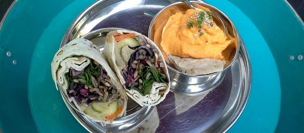 """Photo of Sinstreetfood - Food Truck  by <a href=""""/members/profile/De%20Backer%20Carine"""">De Backer Carine</a> <br/>Wrap and sweat patatoes <br/> May 28, 2014  - <a href='/contact/abuse/image/34290/70947'>Report</a>"""