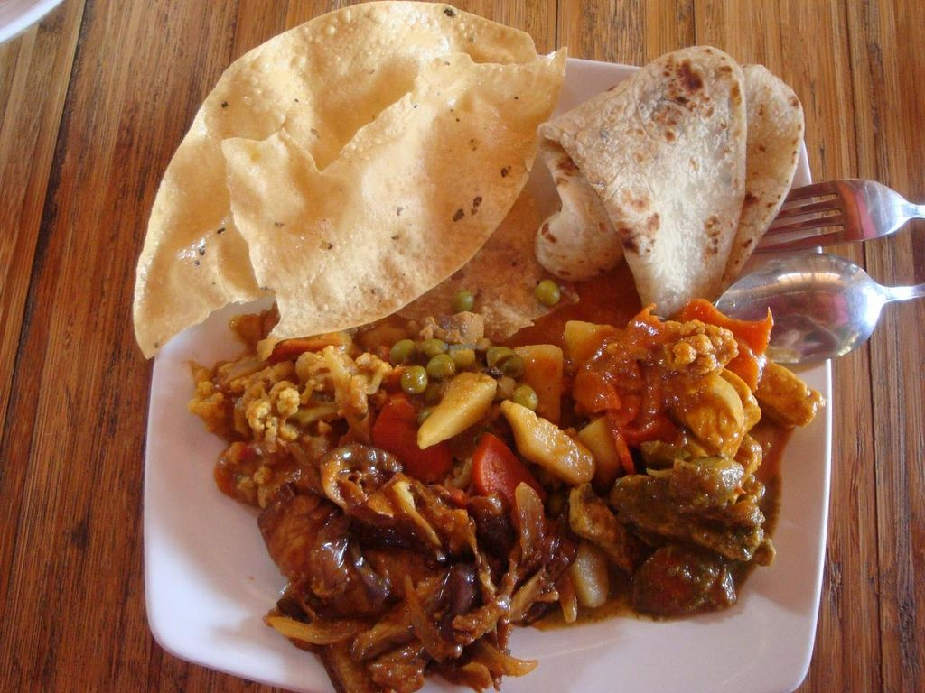 """Photo of Sharaswhaty  by <a href=""""/members/profile/Sonja%20and%20Dirk"""">Sonja and Dirk</a> <br/>various dishes and chapati <br/> June 12, 2014  - <a href='/contact/abuse/image/34319/71940'>Report</a>"""