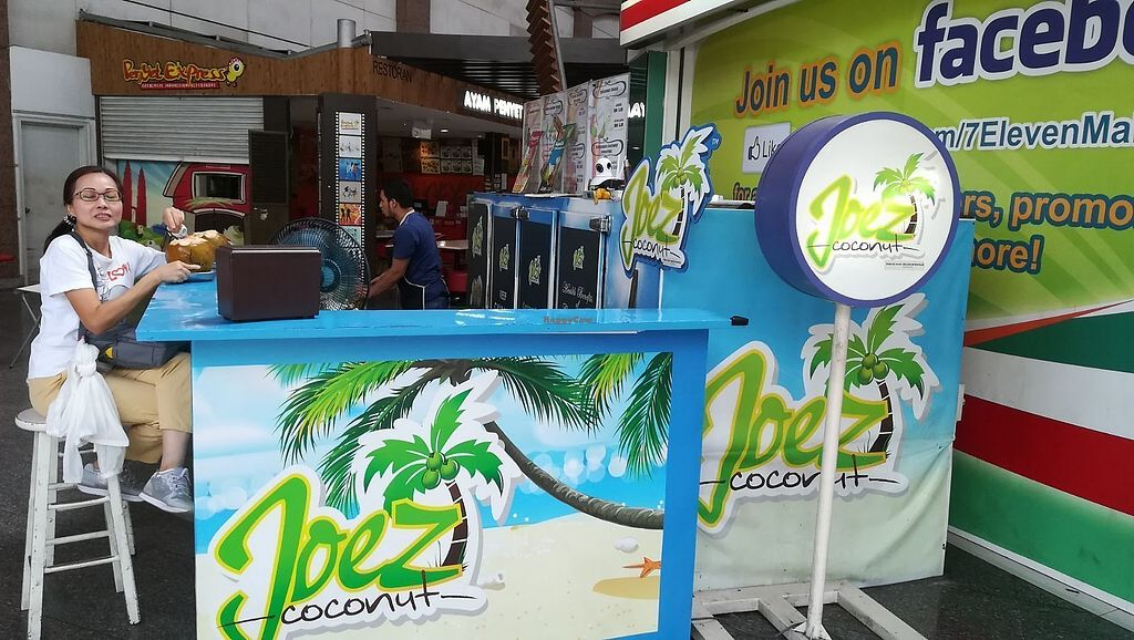 """Photo of Joez Coconuts  by <a href=""""/members/profile/ChoyYuen"""">ChoyYuen</a> <br/>Image of the stall <br/> April 12, 2018  - <a href='/contact/abuse/image/34338/384433'>Report</a>"""