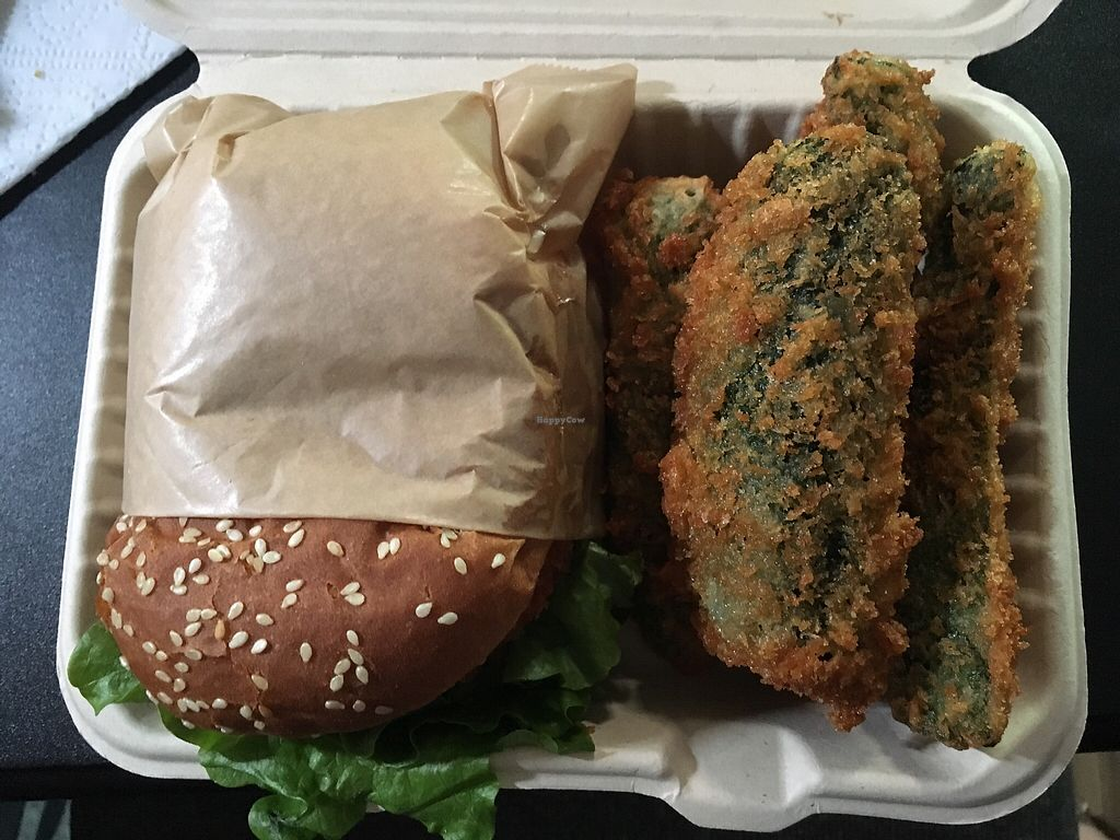 "Photo of Organix LA  by <a href=""/members/profile/clynnzuelke"">clynnzuelke</a> <br/>Spicy Crispy Chicken with zucchini fries <br/> March 31, 2018  - <a href='/contact/abuse/image/34347/379011'>Report</a>"