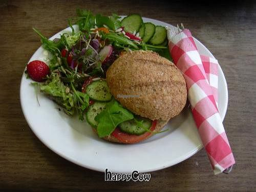 "Photo of Eetwinkel 't Hof Welgelegen  by <a href=""/members/profile/wildfang"">wildfang</a> <br/>Fresh salad and bread roll with veggie pate <br/> December 12, 2012  - <a href='/contact/abuse/image/34441/41563'>Report</a>"