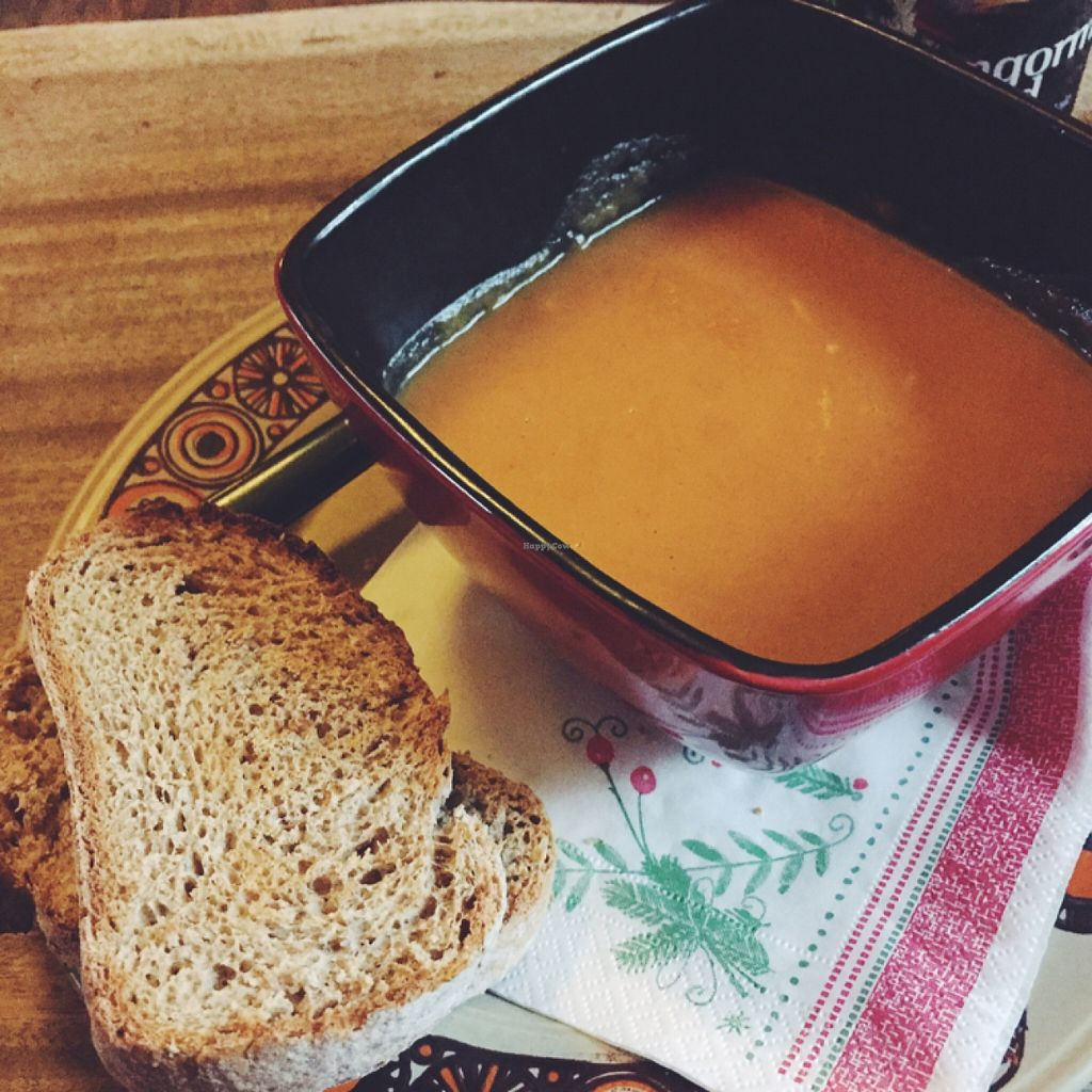 "Photo of CLOSED: CB1 Internet Cafe  by <a href=""/members/profile/guillehdezp"">guillehdezp</a> <br/>Carrot & Coconut Soup <br/> December 12, 2015  - <a href='/contact/abuse/image/34488/128104'>Report</a>"