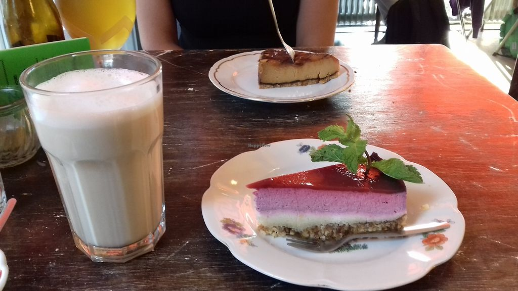 "Photo of Burger Trut  by <a href=""/members/profile/Eefje"">Eefje</a> <br/>Vegan berry cheesecake in the front, with a soy chai latte <br/> August 23, 2017  - <a href='/contact/abuse/image/34563/296208'>Report</a>"