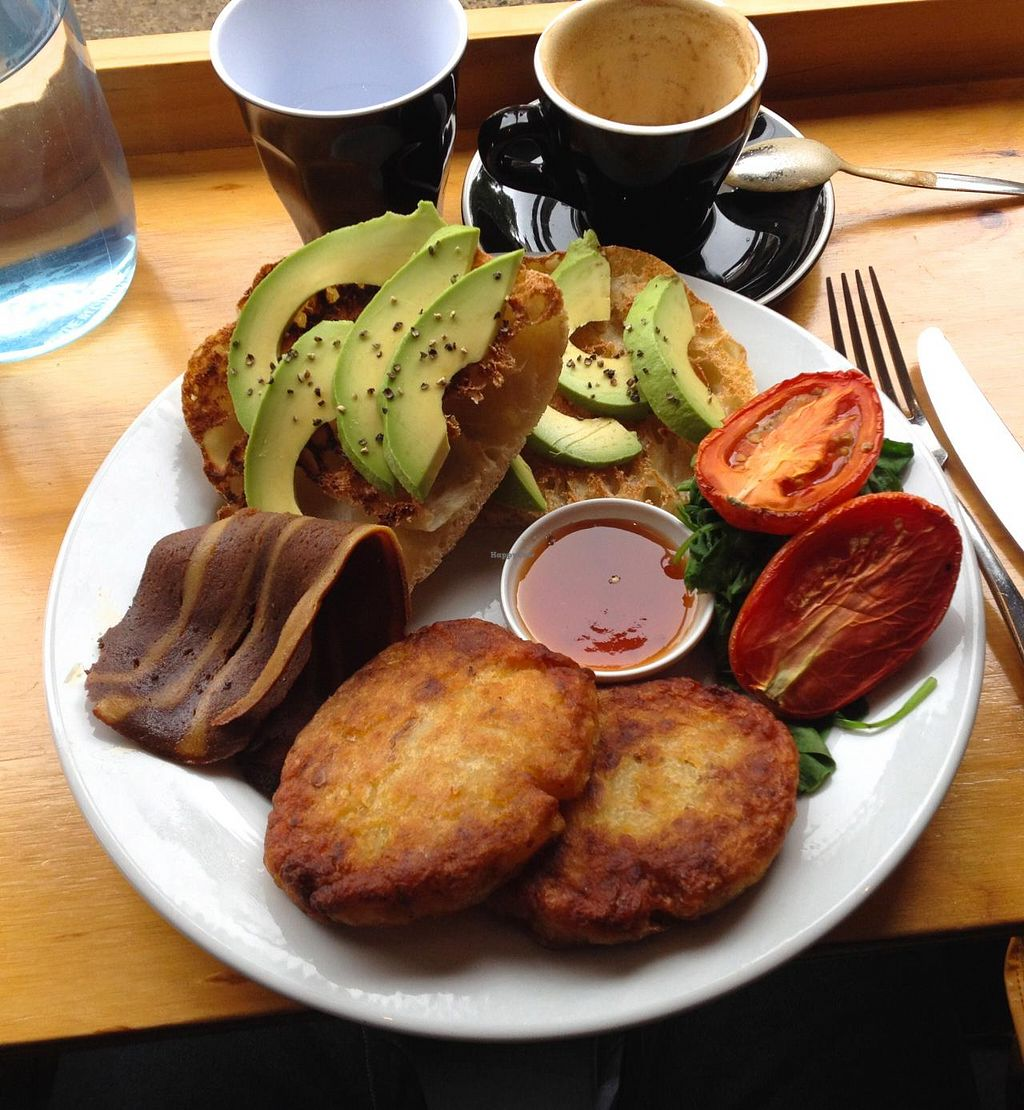 """Photo of Suzy Spoon's Vegetarian Butcher  by <a href=""""/members/profile/beckettthedog"""">beckettthedog</a> <br/>Hash browns, smokey rasher, toast, avocado, roasted tomato and baby spinach <br/> January 28, 2015  - <a href='/contact/abuse/image/34575/91617'>Report</a>"""