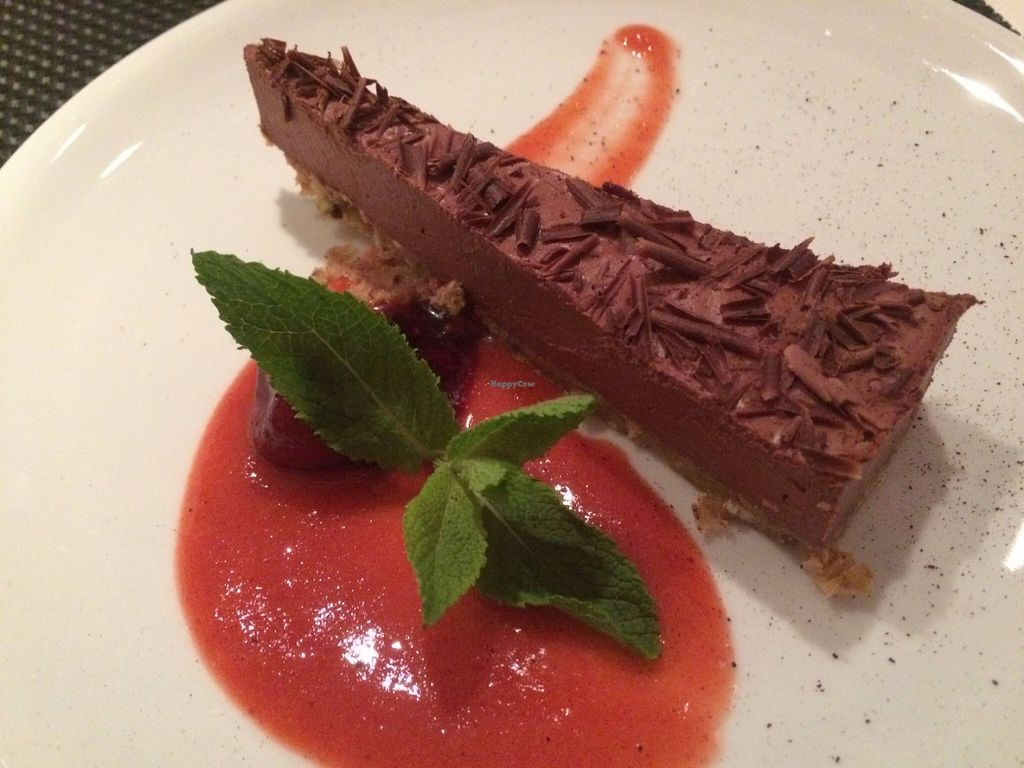 "Photo of TAN Restaurant  by <a href=""/members/profile/Michaela_BB"">Michaela_BB</a> <br/>Chocolate and strawberry cake <br/> June 4, 2016  - <a href='/contact/abuse/image/34635/152268'>Report</a>"