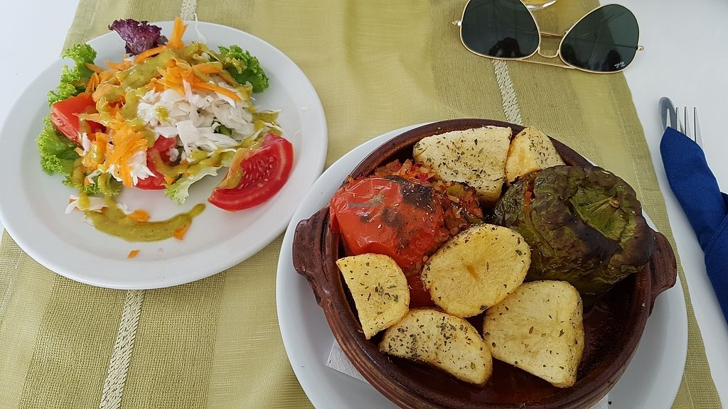 """Photo of Pelagos Restaurant  by <a href=""""/members/profile/the_readheaded_vegan"""">the_readheaded_vegan</a> <br/>gefülltes Gemüse <br/> August 7, 2017  - <a href='/contact/abuse/image/34659/290021'>Report</a>"""