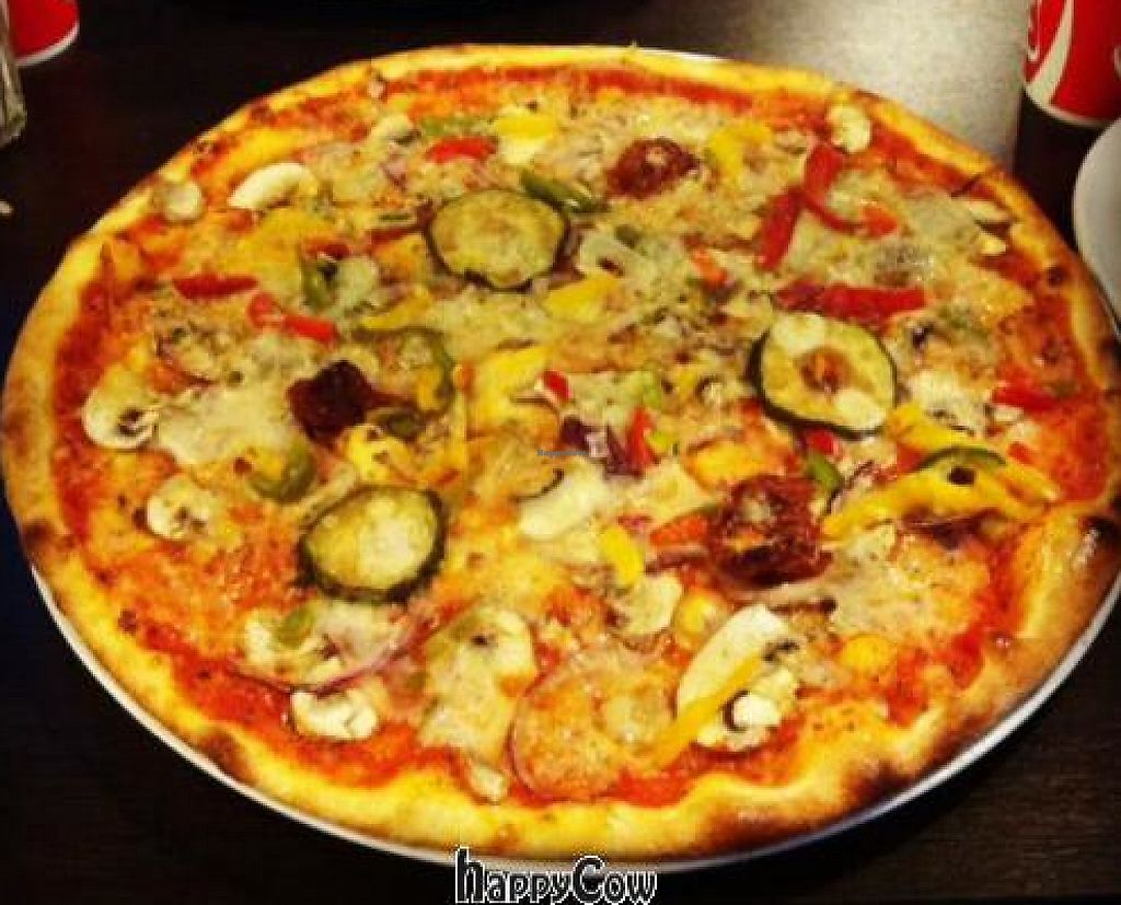 "Photo of Pizza och Cafe Kruthuset  by <a href=""/members/profile/casualdot"">casualdot</a> <br/>Tulpan pizza with vegan cheese from Kruthuset, Örebro <br/> February 20, 2013  - <a href='/contact/abuse/image/34664/244870'>Report</a>"