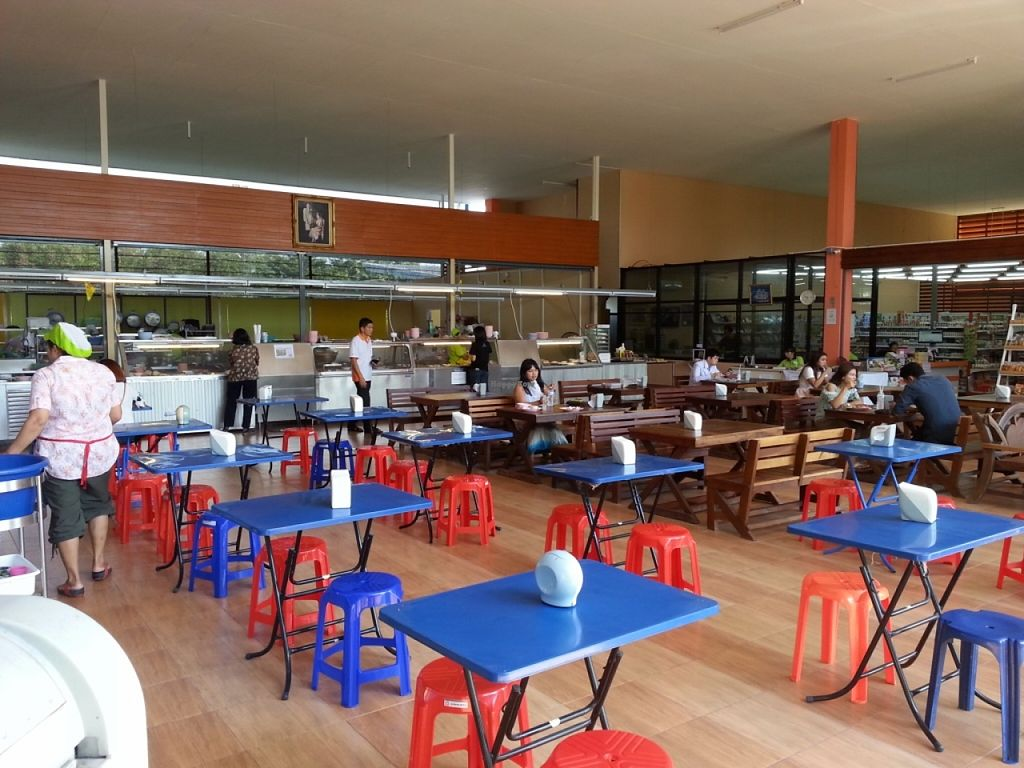 Photo of Tawanthong Restaurant and Shop  by jhon108 <br/>new restaurant <br/> November 29, 2015  - <a href='/contact/abuse/image/3471/126493'>Report</a>