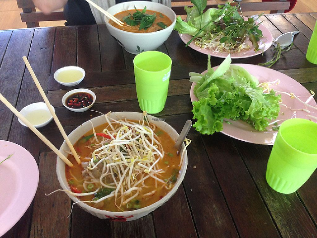 "Photo of Tawanthong Restaurant and Shop  by <a href=""/members/profile/Tofulicious"">Tofulicious</a> <br/>Breakfast Curry Soups <br/> January 29, 2017  - <a href='/contact/abuse/image/3471/218783'>Report</a>"