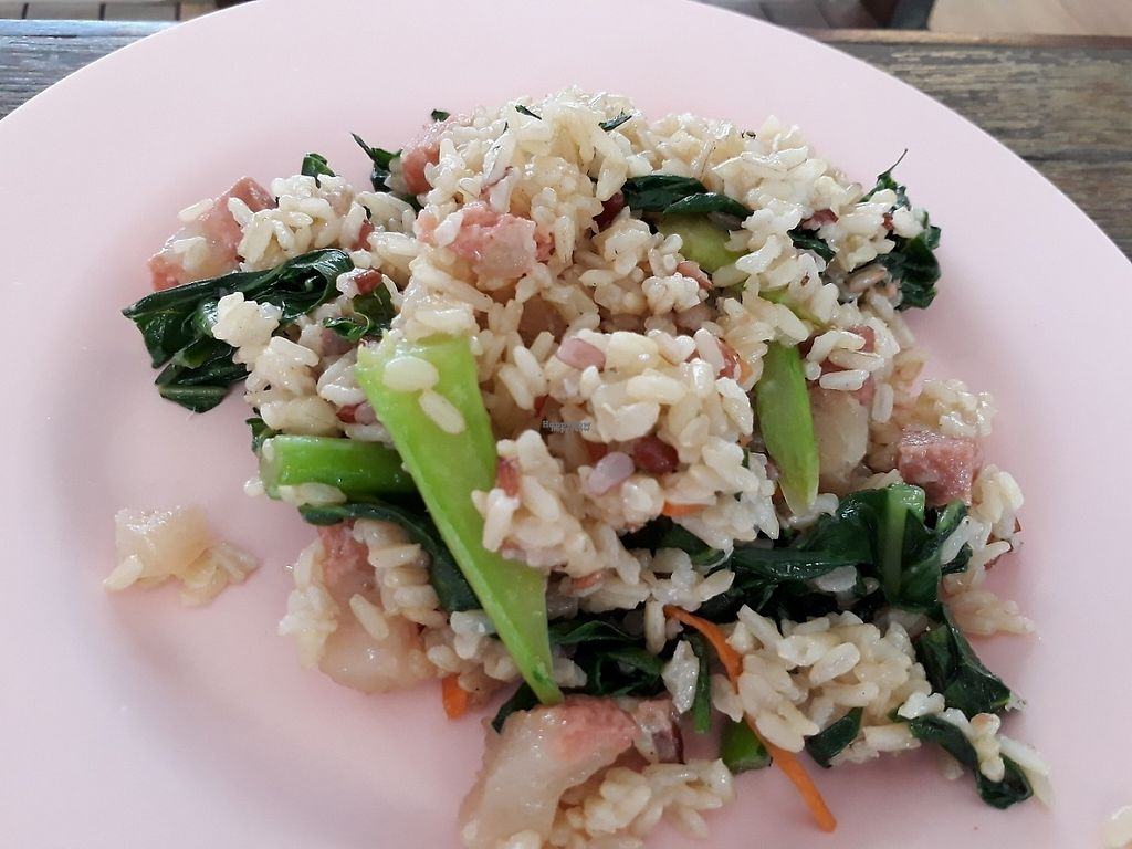 "Photo of Tawanthong Restaurant and Shop  by <a href=""/members/profile/LilacHippy"">LilacHippy</a> <br/>Fried rice with veg and mock meat <br/> February 1, 2017  - <a href='/contact/abuse/image/3471/220525'>Report</a>"
