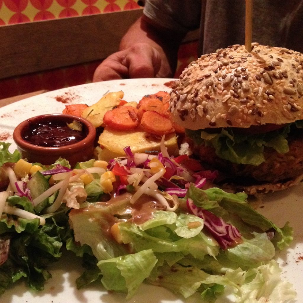 """Photo of Bistrot and Chocolat  by <a href=""""/members/profile/Anna%20H"""">Anna H</a> <br/>Burger <br/> September 13, 2015  - <a href='/contact/abuse/image/34752/117546'>Report</a>"""