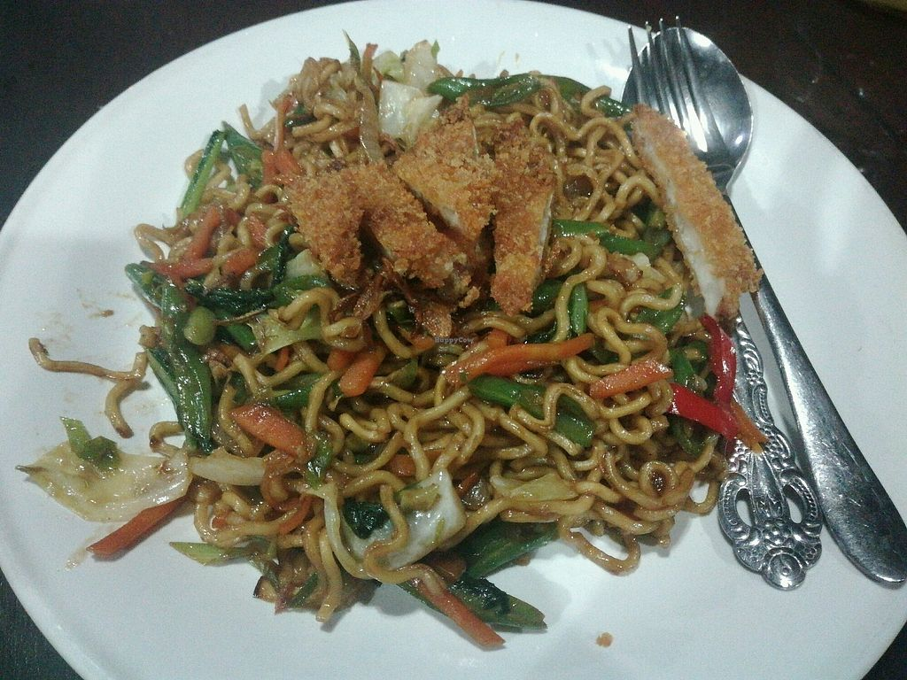 """Photo of Siboghana Waroeng  by <a href=""""/members/profile/ViktorijaGor"""">ViktorijaGor</a> <br/>Mie Goreng (fried noodles with veg and tofu) <br/> October 17, 2017  - <a href='/contact/abuse/image/34780/316055'>Report</a>"""