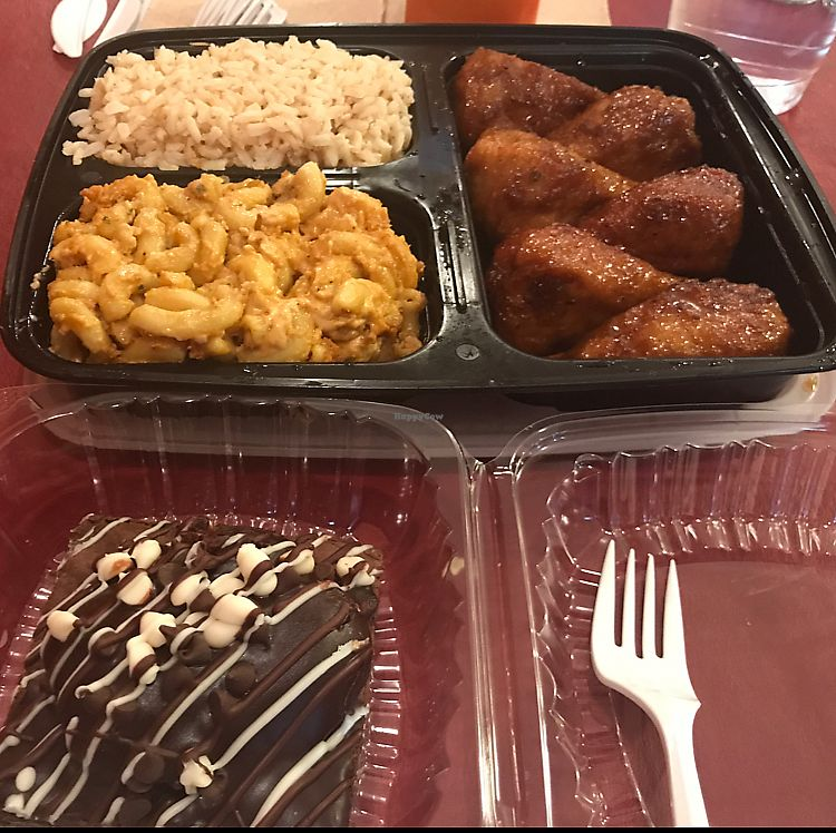 """Photo of Everlasting Life Restaurant  by <a href=""""/members/profile/ashwinn"""">ashwinn</a> <br/>one tray feeds 3 people <br/> June 10, 2017  - <a href='/contact/abuse/image/3478/267864'>Report</a>"""