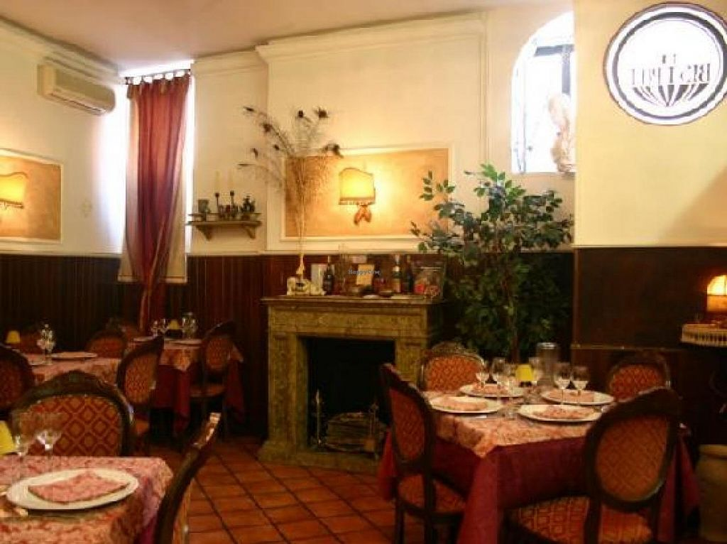 """Photo of Le Bistrot  by <a href=""""/members/profile/sXe_22"""">sXe_22</a> <br/>Venue <br/> May 29, 2014  - <a href='/contact/abuse/image/34931/70977'>Report</a>"""