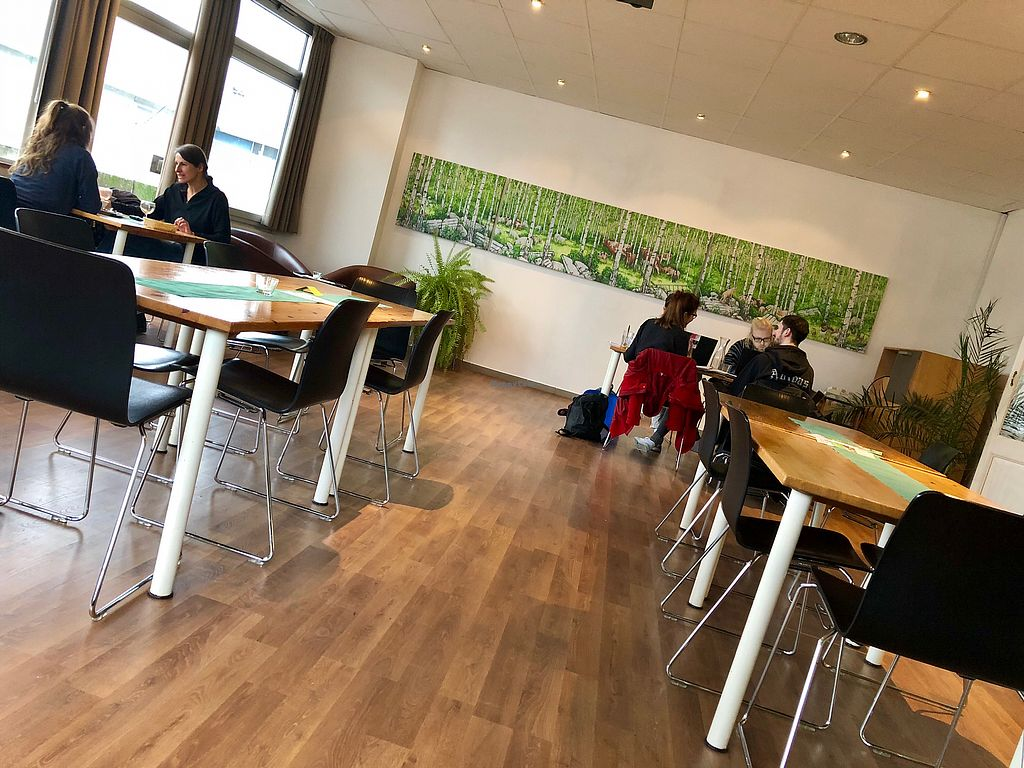 """Photo of Lesecafe Anstandig essen  by <a href=""""/members/profile/marky_mark"""">marky_mark</a> <br/>inside <br/> February 2, 2018  - <a href='/contact/abuse/image/35157/354074'>Report</a>"""
