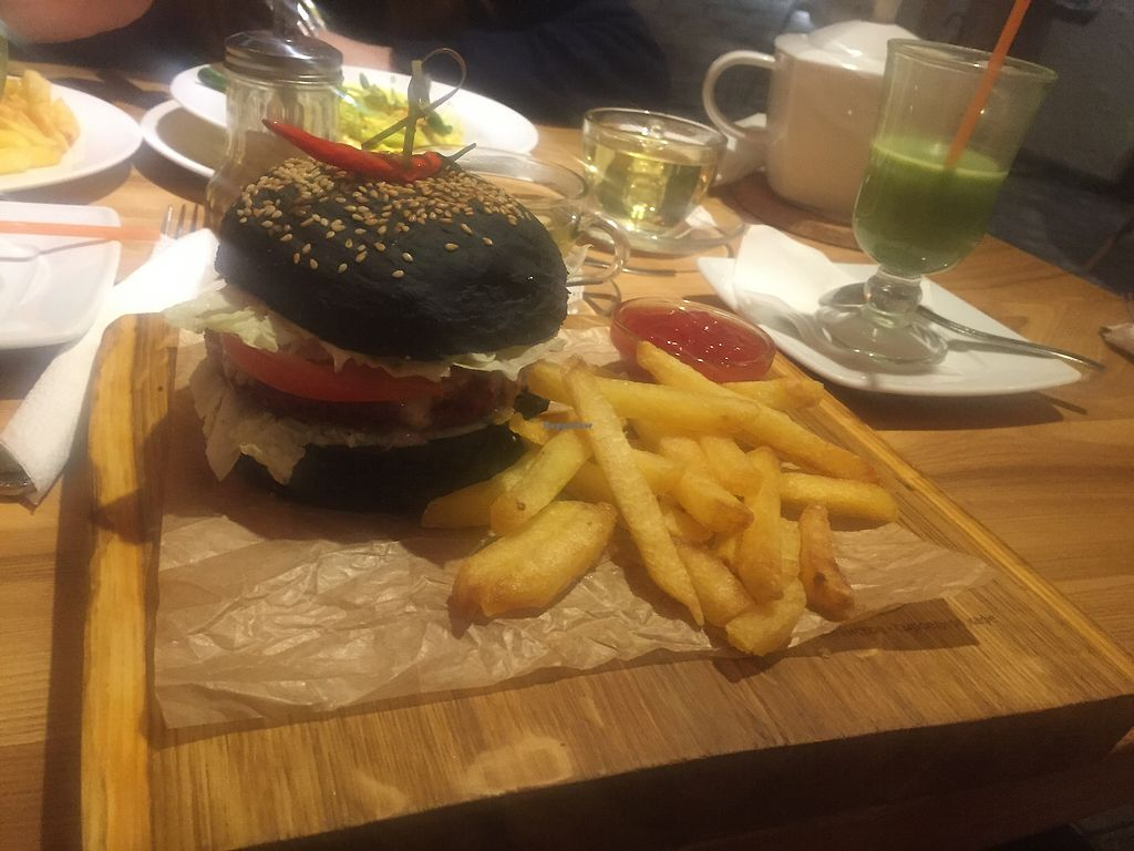 "Photo of Avocado Cafe - Tverskaja  by <a href=""/members/profile/sinus"">sinus</a> <br/>Vegan Burger  <br/> February 2, 2018  - <a href='/contact/abuse/image/35195/353986'>Report</a>"
