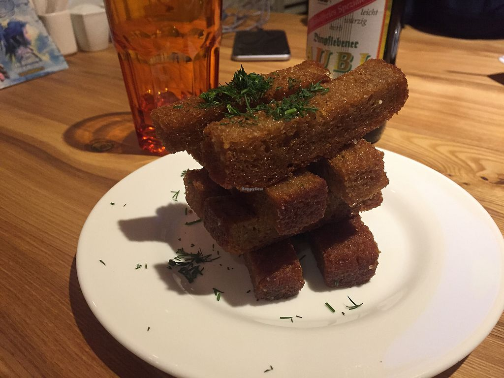 "Photo of Avocado Cafe - Tverskaja  by <a href=""/members/profile/sinus"">sinus</a> <br/>Garlicbreadsticks <br/> February 2, 2018  - <a href='/contact/abuse/image/35195/353988'>Report</a>"