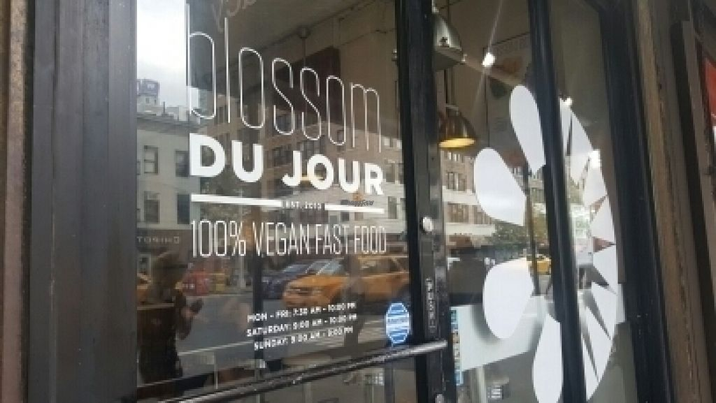"""Photo of Blossom Du Jour - Midtown  by <a href=""""/members/profile/efectoplacebo"""">efectoplacebo</a> <br/>Door with days and hs <br/> August 21, 2016  - <a href='/contact/abuse/image/35196/170359'>Report</a>"""