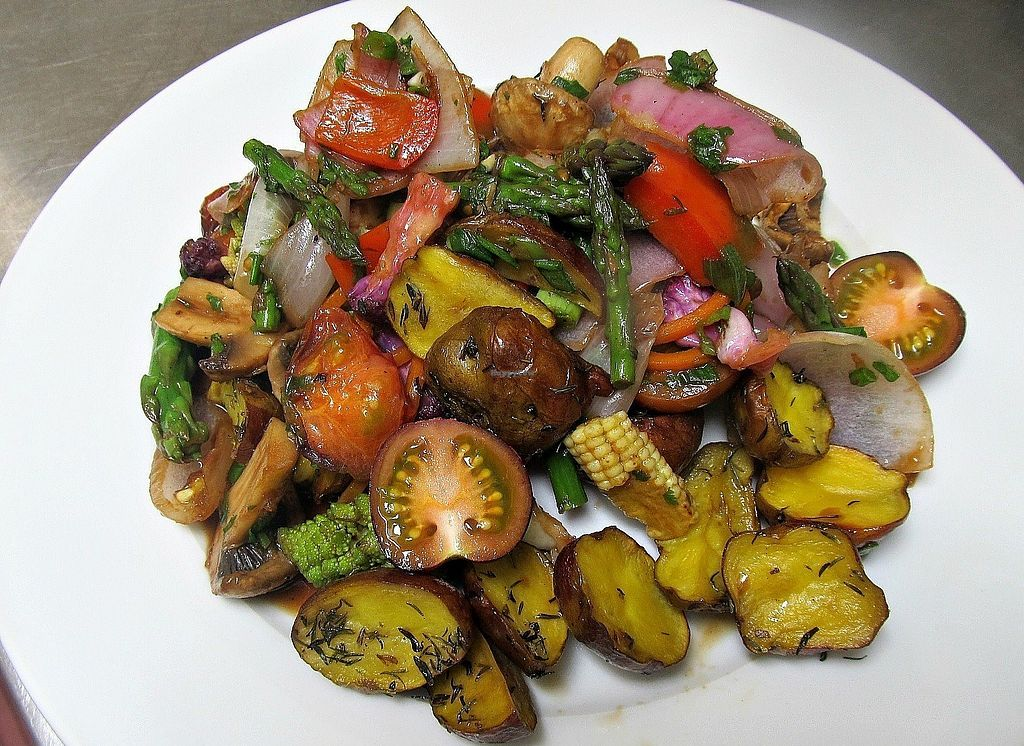 """Photo of Yami  by <a href=""""/members/profile/Eloy7"""">Eloy7</a> <br/>Veggie Saltado, delicious!!!  <br/> July 4, 2017  - <a href='/contact/abuse/image/35261/276612'>Report</a>"""