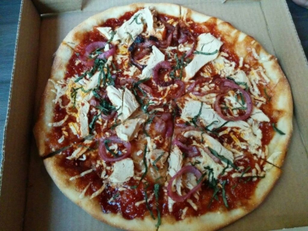 """Photo of Slice of Vegas Pizza  by <a href=""""/members/profile/ufleydee"""">ufleydee</a> <br/>Vegan BBQ Pizza <br/> October 12, 2015  - <a href='/contact/abuse/image/35288/121127'>Report</a>"""