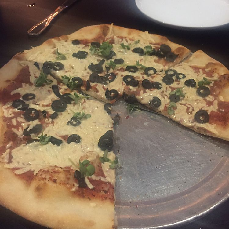 """Photo of Slice of Vegas Pizza  by <a href=""""/members/profile/kaseyjeanne"""">kaseyjeanne</a> <br/>build your own pizza  <br/> July 9, 2017  - <a href='/contact/abuse/image/35288/278094'>Report</a>"""