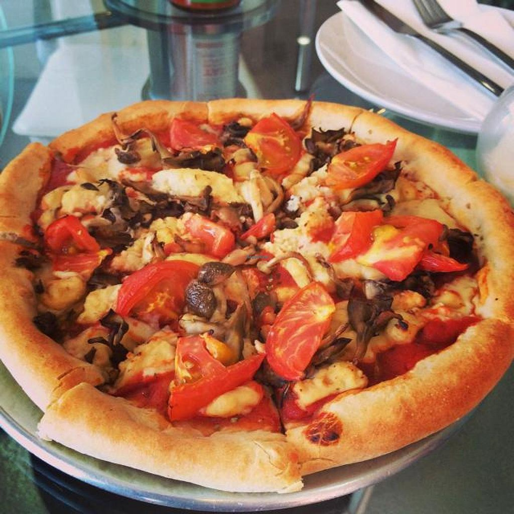 """Photo of Pizza Sun  by <a href=""""/members/profile/JustineHsu"""">JustineHsu</a> <br/>vegan pizza with mushrooma and tomato <br/> August 30, 2014  - <a href='/contact/abuse/image/35293/78667'>Report</a>"""