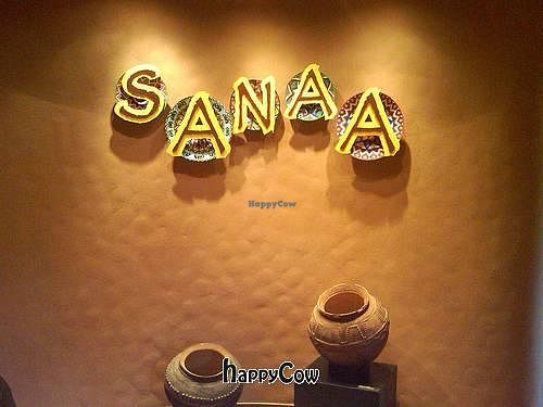 """Photo of Sanaa  by <a href=""""/members/profile/glassesgirl79"""">glassesgirl79</a> <br/>The front of Sanna at Disney World's Animal Kingdom - Kidani Village <br/> November 19, 2012  - <a href='/contact/abuse/image/35367/40445'>Report</a>"""