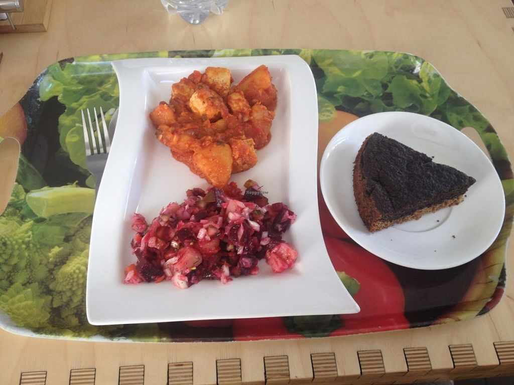 """Photo of Cafe Ukrop  by <a href=""""/members/profile/vegan_ryan"""">vegan_ryan</a> <br/>Options from the food bar with poppyseed cake <br/> May 28, 2016  - <a href='/contact/abuse/image/35392/151110'>Report</a>"""
