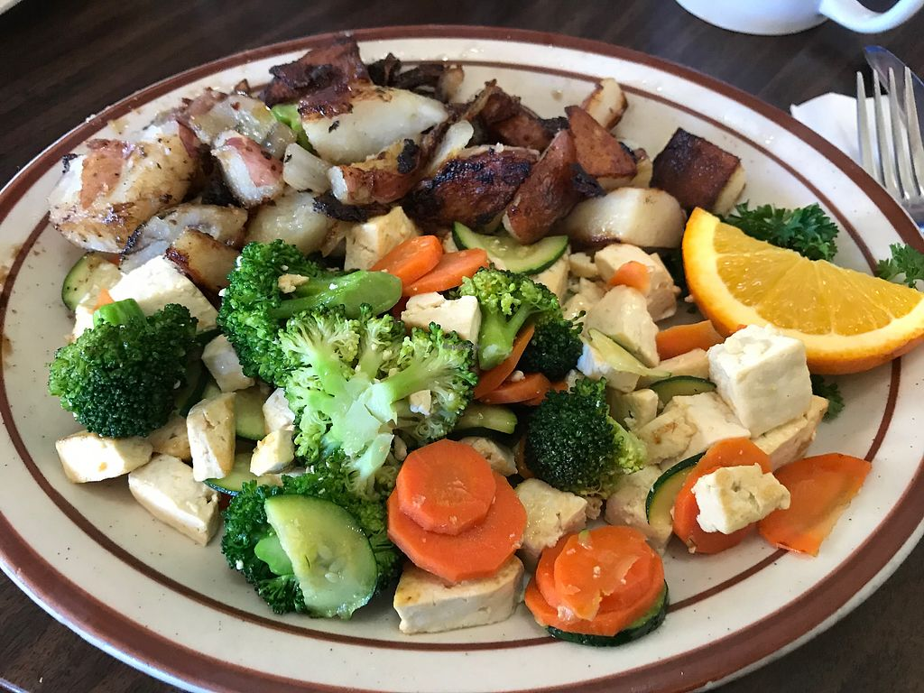 """Photo of Seabreeze Cafe  by <a href=""""/members/profile/dmail42"""">dmail42</a> <br/>""""Veggy"""" Scramble with Tofu <br/> January 13, 2018  - <a href='/contact/abuse/image/35494/346223'>Report</a>"""