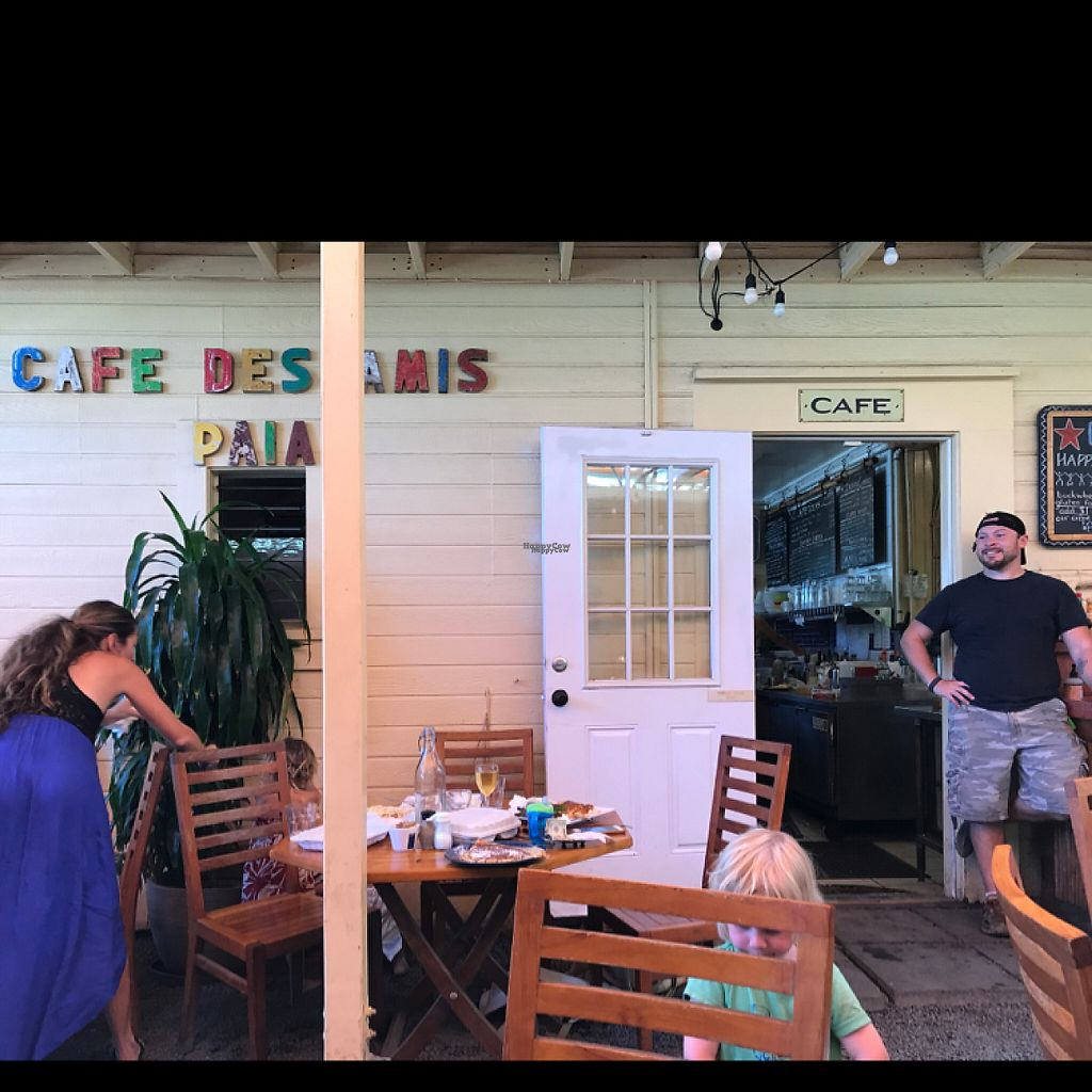 """Photo of Cafe des Amis  by <a href=""""/members/profile/LeonardPDX"""">LeonardPDX</a> <br/>outside seating <br/> April 15, 2017  - <a href='/contact/abuse/image/35601/248560'>Report</a>"""