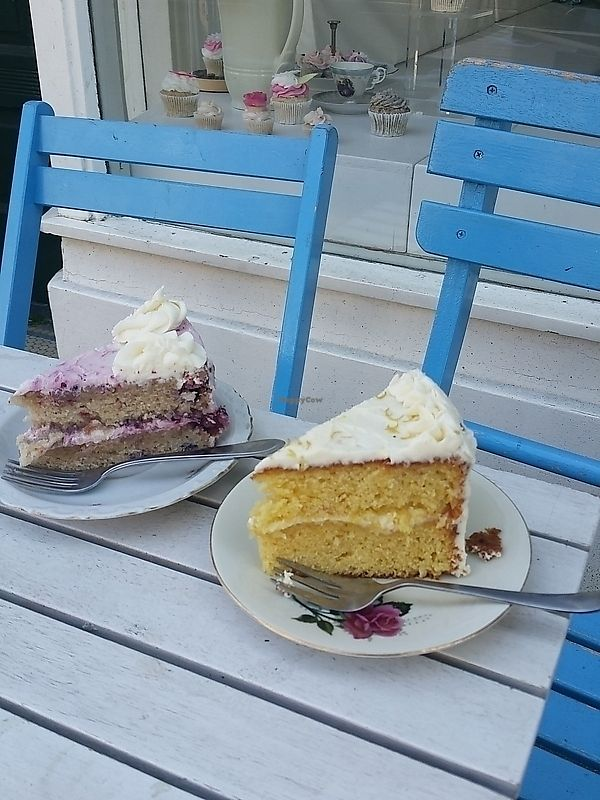 """Photo of Heavenly Cupcakes  by <a href=""""/members/profile/TrudiBruges"""">TrudiBruges</a> <br/>cakes on the terrace of Heavenly Cupcakes, Rotterdam <br/> November 19, 2017  - <a href='/contact/abuse/image/35621/326940'>Report</a>"""