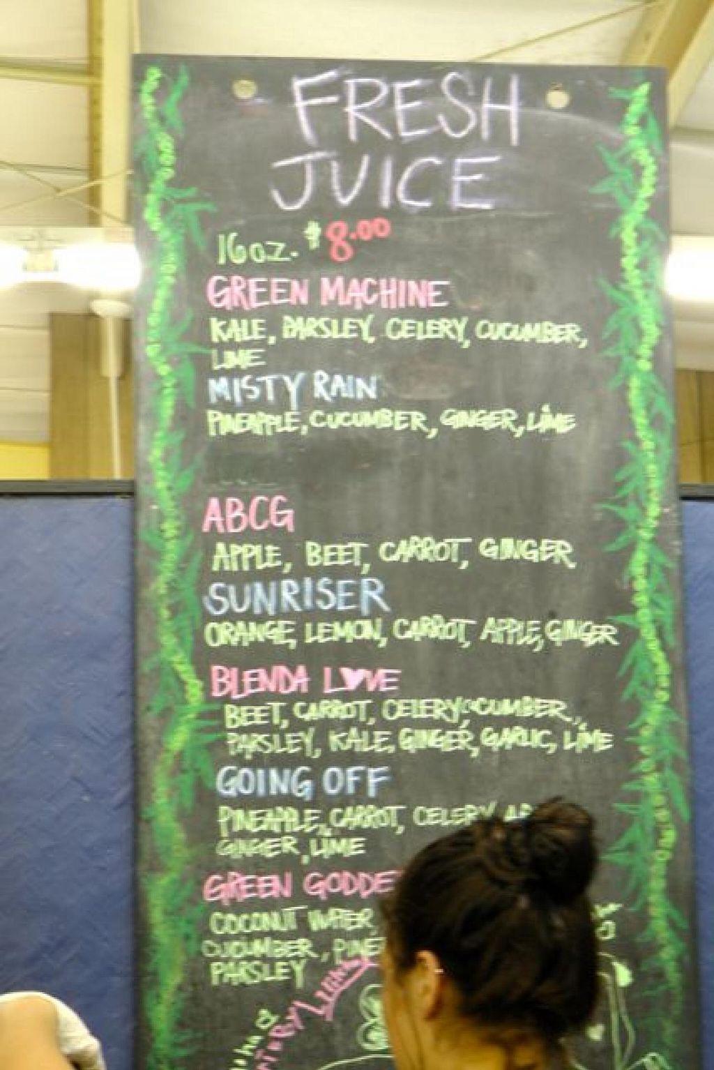 "Photo of Aloha 'Aina Juice Cafe  by <a href=""/members/profile/trinitybourne"">trinitybourne</a> <br/>Nice choice of fresh juices <br/> February 14, 2015  - <a href='/contact/abuse/image/35649/92999'>Report</a>"