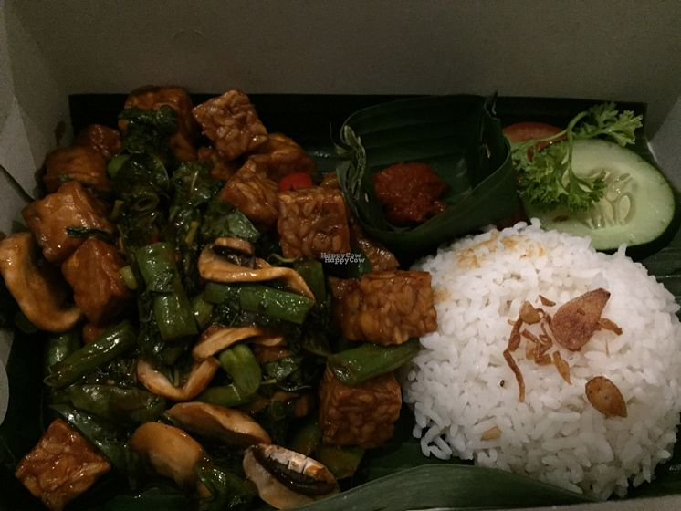 """Photo of ABE-DO  by <a href=""""/members/profile/SusanRoberts"""">SusanRoberts</a> <br/>tempeh stir fry takeaway <br/> October 27, 2016  - <a href='/contact/abuse/image/35754/184668'>Report</a>"""