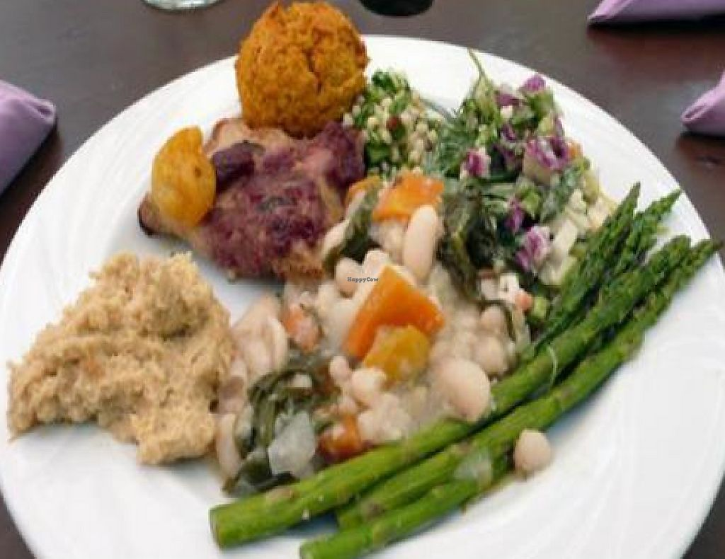 """Photo of Inn of the Seventh Ray  by <a href=""""/members/profile/quarrygirl"""">quarrygirl</a> <br/>Vegetarian brunch buffet with vegan options <br/> December 27, 2011  - <a href='/contact/abuse/image/3581/189548'>Report</a>"""