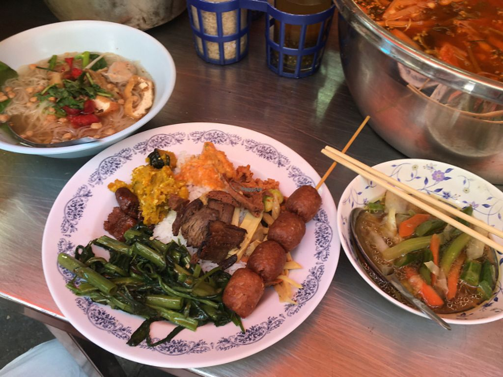 """Photo of Vegan Thai Food Stalls  by <a href=""""/members/profile/happycyclist"""">happycyclist</a> <br/>we got a hodgepodge of vegan meats on rice <br/> February 1, 2017  - <a href='/contact/abuse/image/35874/220523'>Report</a>"""